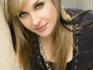 """Sunny Sweeney, """"Staying's Worse Than Leaving"""""""