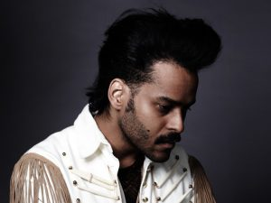 """Twin Shadow, """"Castles in the Snow"""" (Last.fm Discover Session)"""