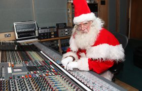 Free 10-Song Holiday Playlist Spiced With Pop, Soul And Rock